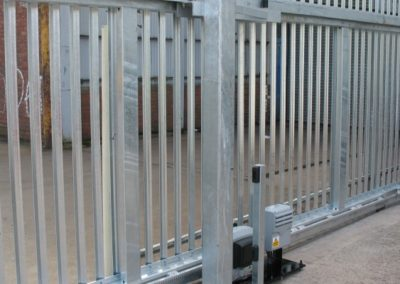 cancello-a-rotaia-800x400